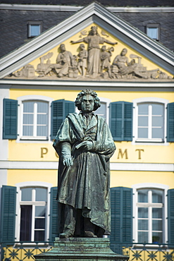 Statue of Ludwig Van Beethoven in front of the post office, Bonn, North Rhineland Westphalia, Germany, Europe