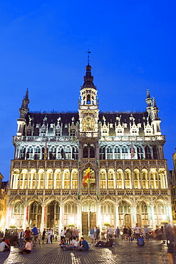 Hotel de Ville (Town Hall) in the Grand Place illuminated at night, UNESCO World Heritage Site, Brussels, Belgium, Europe