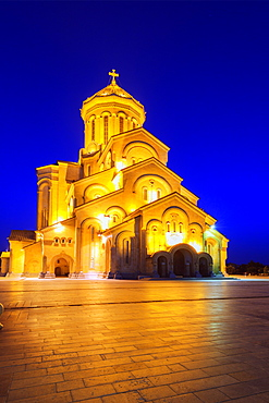 Tbilisi Sameda Cathedral (Holy Trinity) biggest Orthodox Cathedral in Caucasus, Tbilisi, Georgia, Central Asia, Asia