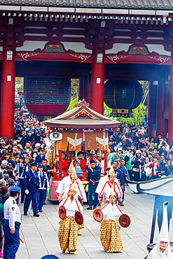 Asia, Japan, Tokyo, Asakusa, Sensoji temple, Hakucho White Swan festival