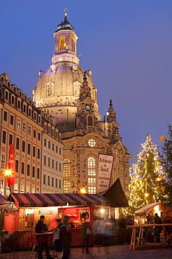 Christmas Market stalls in front of Frauen Church and Christmas tree at twilight, Neumarkt, Innere Altstadt, Dresden, Saxony, Germany, Europe