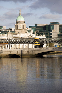 View of the Liffey River with Custom House Quay in the background, Dublin, Republic of Ireland, Europe