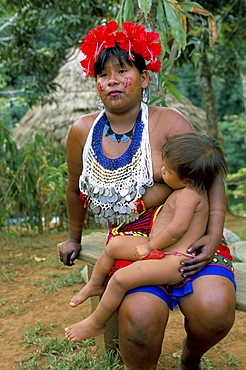 Embera Indian woman and child, Soberania Forest National Park, Panama, Central America