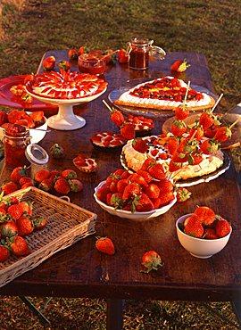 Strawberries and strawberries cake, Italy
