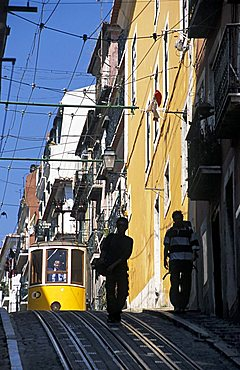 Foreshortening, Elevador da Bica, Lisbona, Portugal, Europe