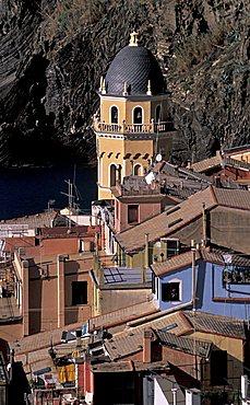 Cityscape with Santa Margherita di Antiochia church, Vernazza, Ligury, Italy