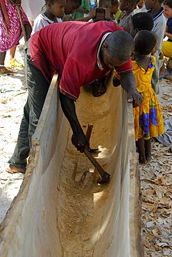 Building a traditional fishing boat, Zanzibar, United Republic of Tanzania, Africa