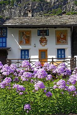 Typical house, Macugnaga, Anzasca Valley, Ossola Valley, Verbania province, Piedmont, Italy