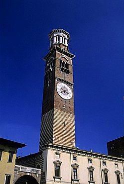 Torrione Scaligero del Palazzo Capitanio, Square of Signori, Verona, Veneto, Italy