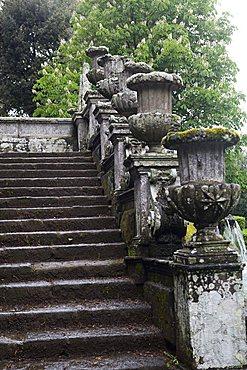Balaustra dei Vasi, Villa Lante, Bagnaia, Lazio, Italy