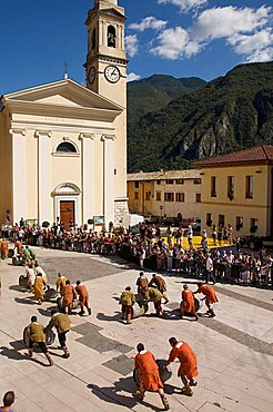 Barrel race in historic recalling Uva e Dintorni,  Sabbionara d'Avio, Bassa Vallagarina, Trentino Alto Adige, Italy, Europe