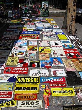 Antiques fair, L'Isle-sur-la-Sorgue, Provence-Alpes-C¬?te d'Azur, France, Europe