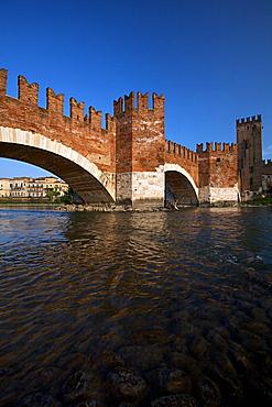 Scaligero bridge or Ponte Vecchio bridge over the Adige river near Castelvecchio castle,  Verona, Veneto, Italy, Europe