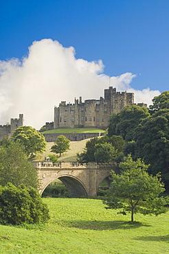 Alnwick Castle and Lion Bridge, Alnwick, Northumbria, England, United Kingdom, Europe