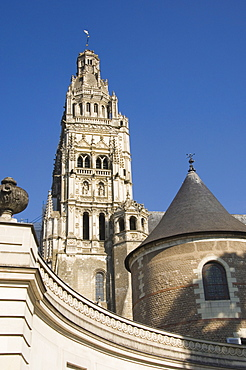 The Cathedrale St.-Gatien from the Musee des Beaux Arts Garden, Tours, Indre-et-Loire, Loire valley, Centre, France, Europe
