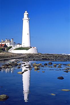 Lighthouse, St. Mary's Island, Whitley Bay, Tyne and Wear, England, United Kingdom, Europe