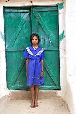 Indian child, Tala, Bandhavgarh National Park, Madhya Pradesh, India, Asia
