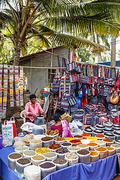 Spice stall at the Wednesday Flea Market in Anjuna, Goa, India, Asia