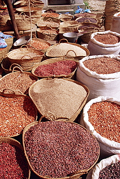 Beans and pulses at the market, Stone Town, island of Zanzibar, Tanzania, East Africa, Africa