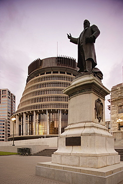 Statue of Seddon, New Zealand Prime Minister, outside Beehive and Parliament House, Wellington, North Island, New Zealand, Pacific