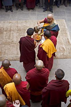 Tibetan Buddhist ceremony to celebrate new year (Lhosar), Samtenling monastery, Bodhnath, Kathmandu, Nepal, Asia