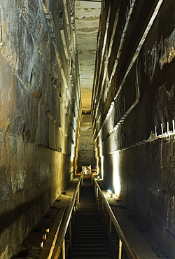 The Grand Gallery inside the Great Pyramid of Khufu (Cheops), Giza, UNESCO World Heritage Site, Egypt, North Africa, Africa