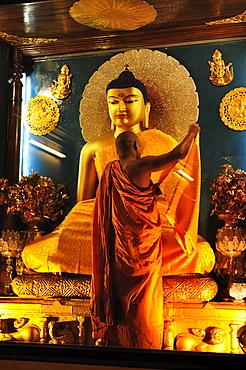 Inside the Mahabodhi Temple, UNESCO World Heritage Site, Bodh Gaya (Bodhgaya), Gaya District, Bihar, India, Asia