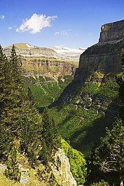 Valle de Ordesa, Parque Nacional de Ordesa, Central Pyrenees, Aragon, Spain, Europe