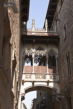 Bridge of Sighs at Carrer del Bisbe, Barcelona, Catalonia, Spain