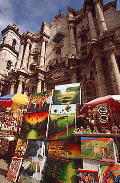 Arts and crafts market in the Plaza before La Catedral de San Cristobal de la Habana, built in 1787, Habana Vieja, Havana, Cuba