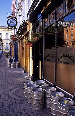 Pub near Cobh Harbour, Cobh (Cork), County Cork, Munster, Republic of Ireland, Europe