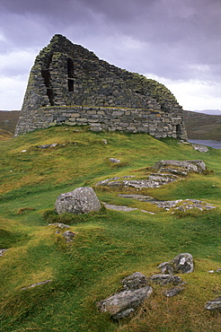 Dun Carloway (Dun Charlabhaigh) broch dating from between 100 BC and 100 AD, one of the best preserved in Scotland, Lewis, Outer Hebrides, Scotland, United Kingdom, Europe