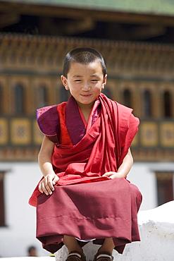 Young Buddhist monk, Trashi Chhoe Dzong, Thimphu, Bhutan, Asia