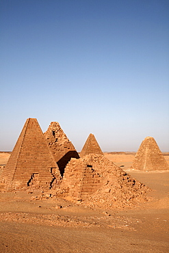 The pyramids at Jebel Barkal, used by Napatan Kings during the 3rd century BC, UNESCO World Heritage Site, Karima, Sudan, Africa