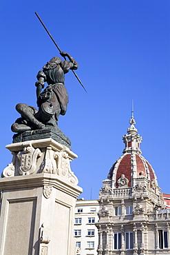 Maria Pita statue and Palacio Municipal (Town Hall), Plaza de Maria Pita, La Coruna City, Galicia, Spain, Europe