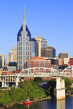 Shelby Pedestrian Bridge and Nashville skyline, Tennessee, United States of America, North America