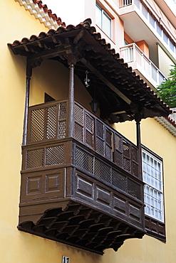 Wooden balcony on Calle Ruiz de Padron, Santa Cruz de Tenerife, Tenerife Island, Canary Islands, Spain, Europe, Europe