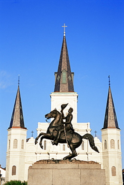 Statue of Andrew Jackson with St. Louis Cathedral behind, Jackson Square, French Quarter, New Orleans, Louisiana, United States of America, North America