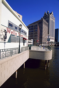 Wells Street River Walk, Milwaukee, Wisconsin, United States of America, North America