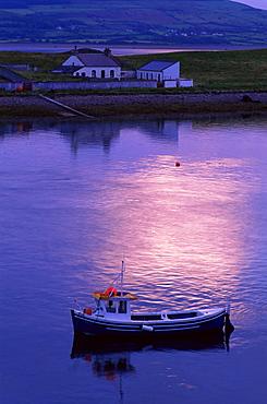 Lighthouse keeper's house, Oyster Island, Rosses Point, County Sligo, Connacht, Republic of Ireland, Europe