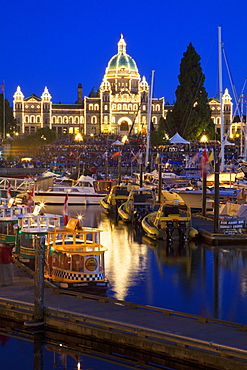 Inner Harbour with Parliament Building at night, Victoria, Vancouver Island, British Columbia, Canada, North America