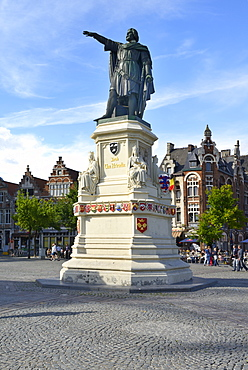 Statue of Jacob van Artevelde, Vrijdagsmarkt Square, Friday Market, Ghent, Flanders, Belgium, Europe