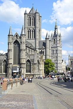 St. Nicholas' Church and Het Belfort van Gent, 14th century Belfry, Ghent, Flanders, Belgium, Europe