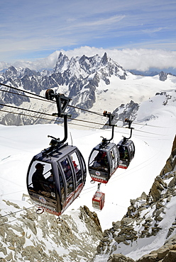 Cable cars approaching Aiguille du Midi, Mont Blanc Massif, Chamonix, French Alps, Haute Savoie, France, Europe