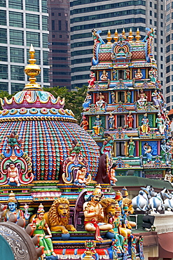 Close up of the Gopuram of the Sri Mariamman Temple, a Dravidian style temple in Chinatown, Singapore, Southeast Asia, Asia