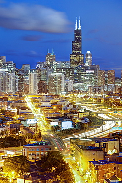 Willis Tower and city skyline, Chicago, Illinois, United States of America, North America