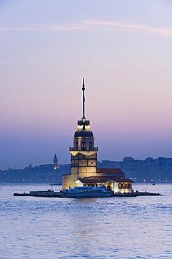 Kizkulesi (Maiden's Tower), the Bosphorus, Istanbul, Turkey, Europe