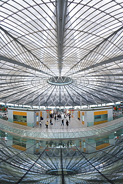 Interior of circular concourse and roof of the spectacular new Shanghai South Railway Station in 2007, Shanghai, China, Asia