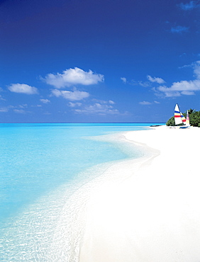 Catamaran on beach, Maldives, Indian Ocean, Asia