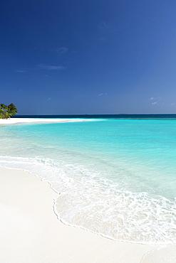 Topical beach and lagoon, Maldives, Indian Ocean, Asia